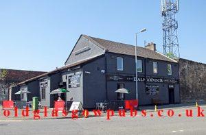 Exterior view of the Old Dalmarnock Inn Old Dalmarnock Road 2014