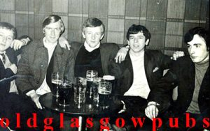Image of the Murray family at the Dalriada Bar Edinburgh Road, Glasgow 1970