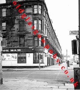 image of the Devon Bar, Eglinton Street, 1960s