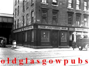 Image of the Southern Bar Eglinton Street corner of Wallace Street 1930s